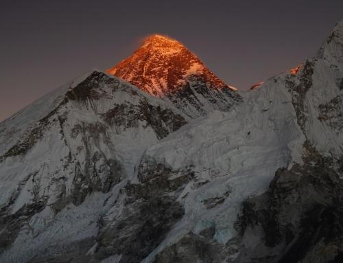 CICLO DE PROYECCIONES DE MONTAÑA-TREKKING EN NEPAL
